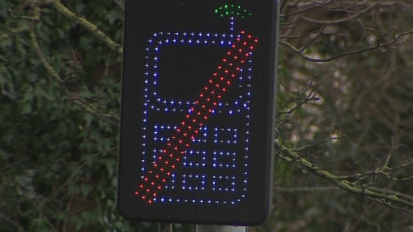New phone signal detector could help police fine motorists on mobiles