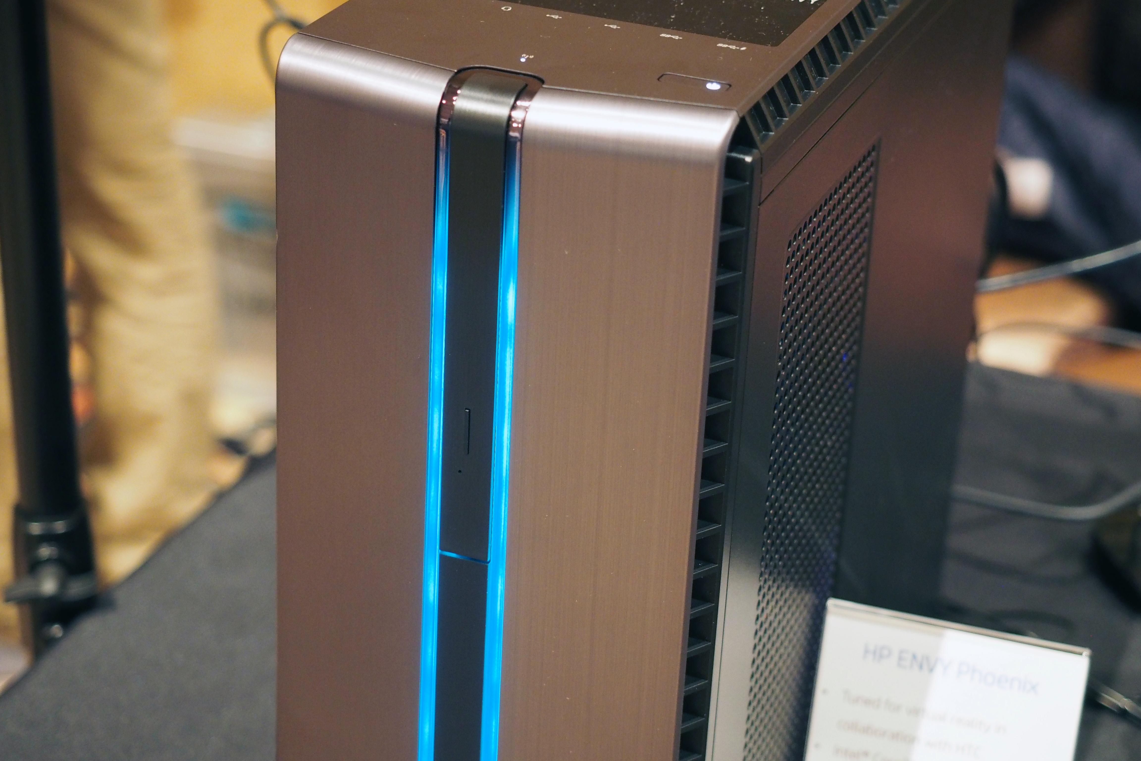 HP's Envy Phoenix gaming desktop will support HTC's new VR headset