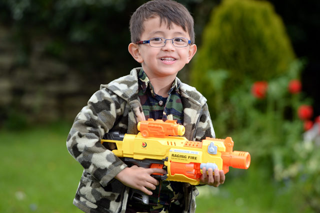 Boy S Toy Nerf Gun Confiscated By Airport Security Staff