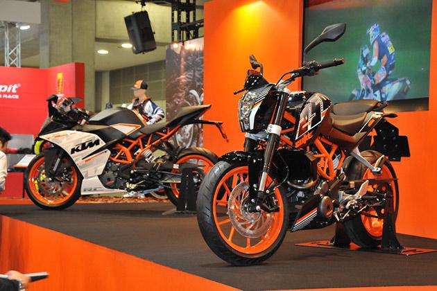 KTM、東京モーターサイクルショーで発表した「RC 250」と「250 DUKE」のデリバリーを開始