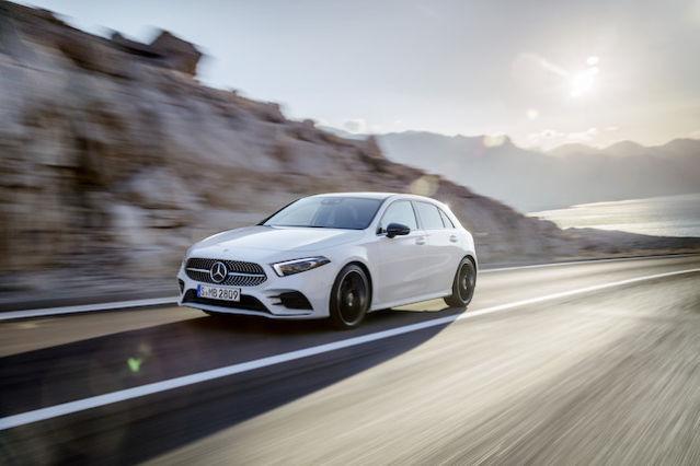 Mercedes-Benz A-Klasse Exterieur: Digital white pearl // Mercedes-Benz A-Class  Exterior: Digital white pearl