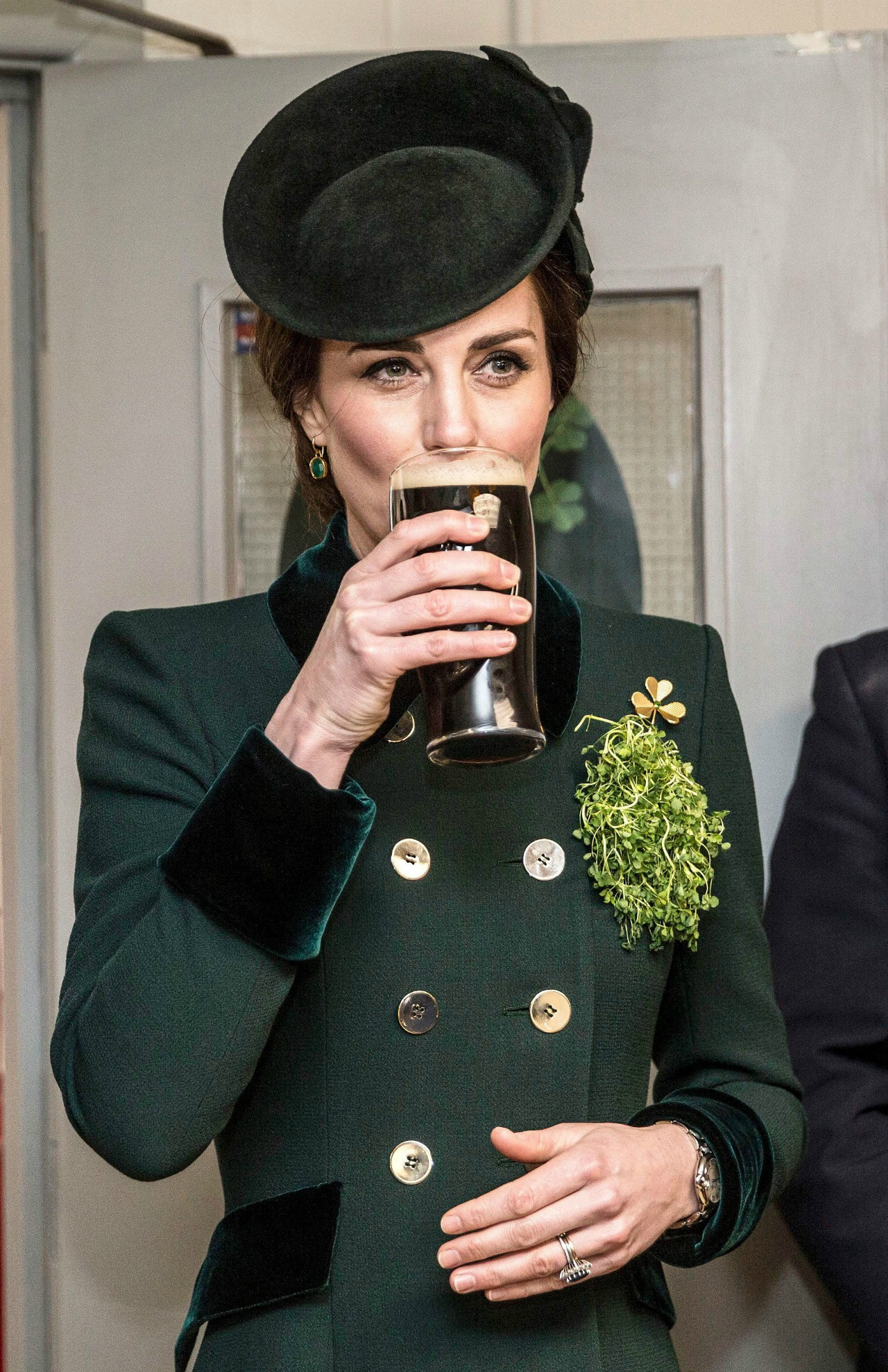3d56d533822 Kate Middleton and Prince William enjoy a pint of Guinness for St ...