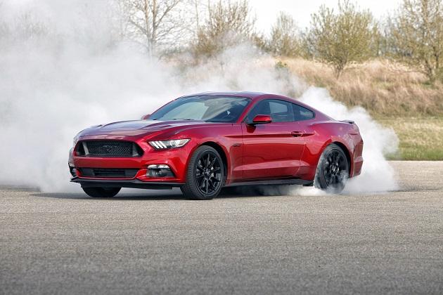 今、世界で最も売れているスポーツカーはフォード「マスタング」!