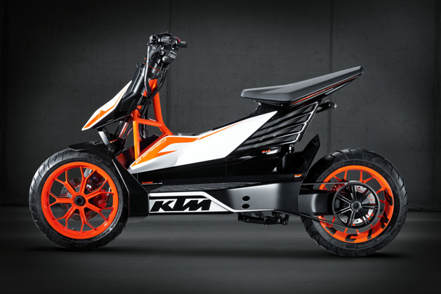 KTMが電動スクーターの開発を中止するという噂 同社に回答を迫った!(ビデオ付)