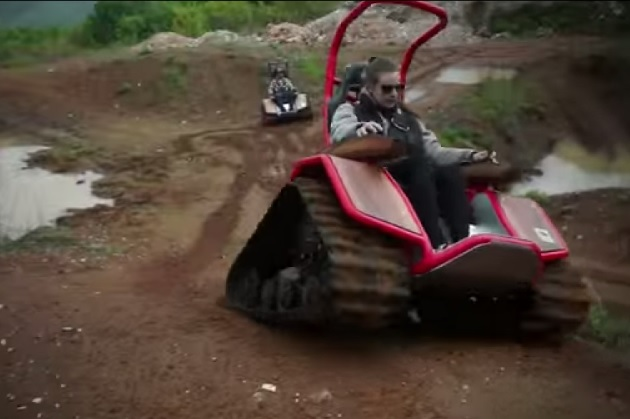 【ビデオ】どんな路面も走破できる!? 無限軌道付きの車椅子「Der Ziesel」