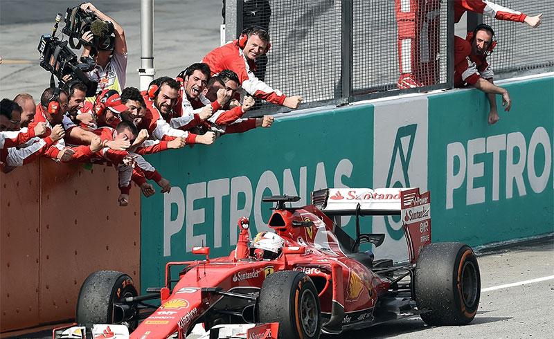 Sebastian Vettel wins the 2015 Malaysian F1 Grand Prix.