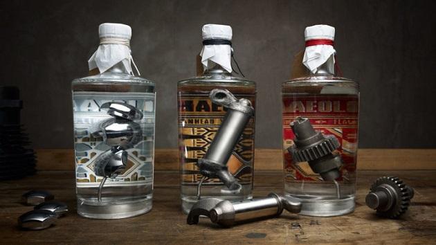 【ビデオ】ハーレーダビッドソンのエンジン・パーツが入ったジンのボトルが発売