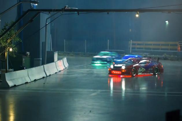 【ビデオ】まるで『ワイルド・スピード』の世界! RCカー4台がドリフトしながら爆走!