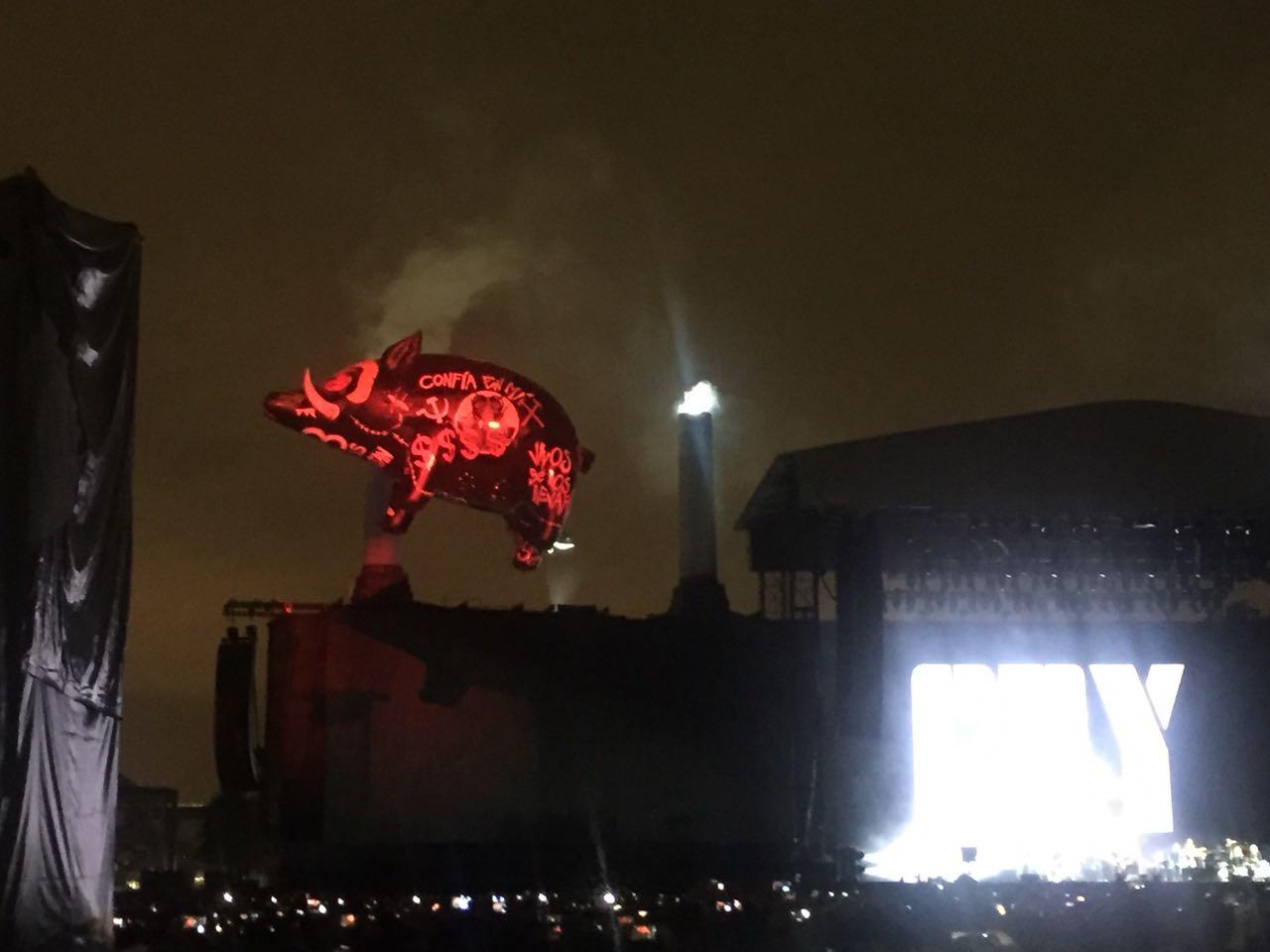 Pendejo: Roger Waters a Trump, ayer durante su concierto en