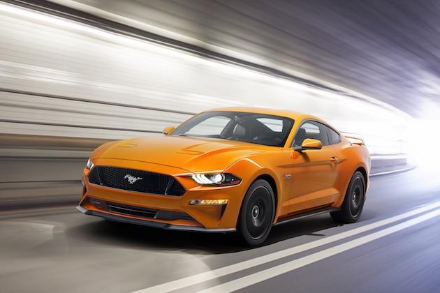 【ビデオ】マイナーチェンジしたフォード「マスタング」の低く、長く、ワルくなったデザインを前期型と比較する!