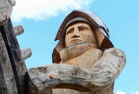 Yorkist statue
