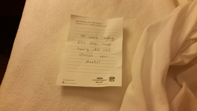 Guest finds 'horror' note in hotel bed