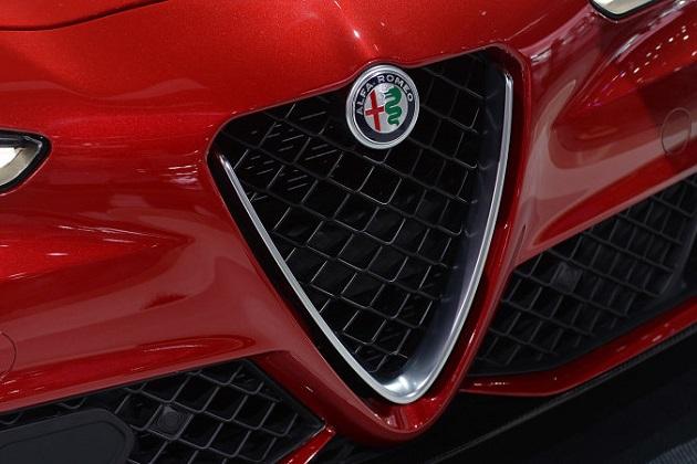 【噂】アルファ ロメオが「ジュリア」をベースに新型クーペを開発中! エネルギー回生システム付きで650馬力...!?