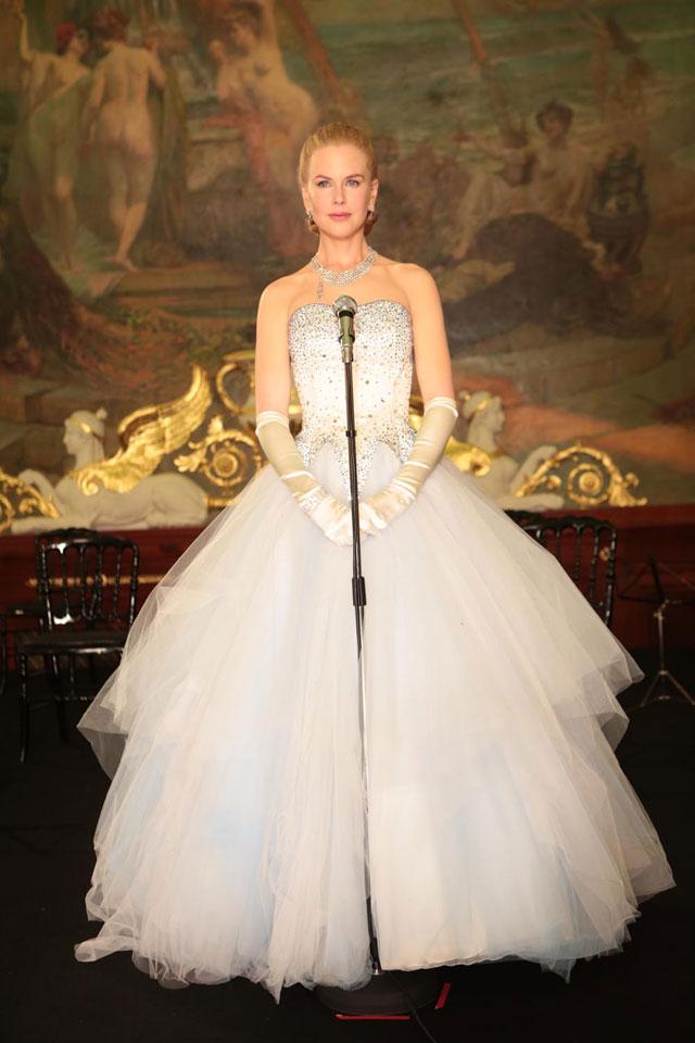 Ziemlich Nicole Kidman Hochzeitskleid Ideen - Brautkleider Ideen ...