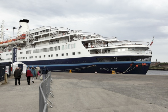 British cruise ship runs aground in Norway, 750 passengers stranded