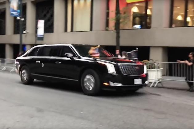 【ビデオ】米国大統領専用の新型リムジン、走る姿が初めて路上で目撃される