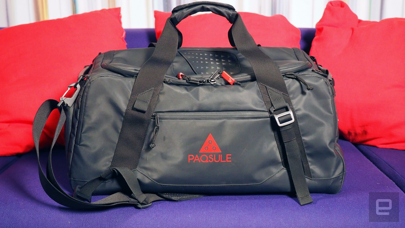 This Self Cleaning Bag Freshens Up Your Smelly Gym Clothes