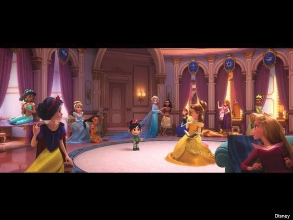 映画『シュガー・ラッシュ:オンライン』でディズニープリンセスが一堂に会した画像が初公開