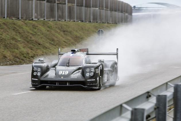 ポルシェが2015年シーズンの戦いに向けて、LMP1マシン「919ハイブリッド」をアップデート
