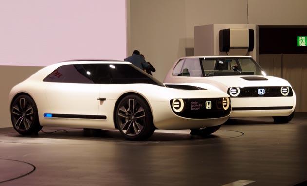 【東京モーターショー2017】残念ながらハリボテだった!? 期待高まるホンダの「Honda Sports EV Concept」!!