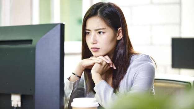 仕事でストレスを感じる女性が8割
