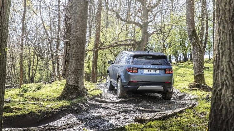 2020 Land Rover Discovery Sport announced with 48-volt mild
