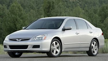 2006 Nissan Maxima vs 2006 Honda Accord Hybrid and 2006 Honda
