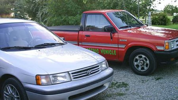 16-year-old converts 1988 Mazda pickup truck to all-electric
