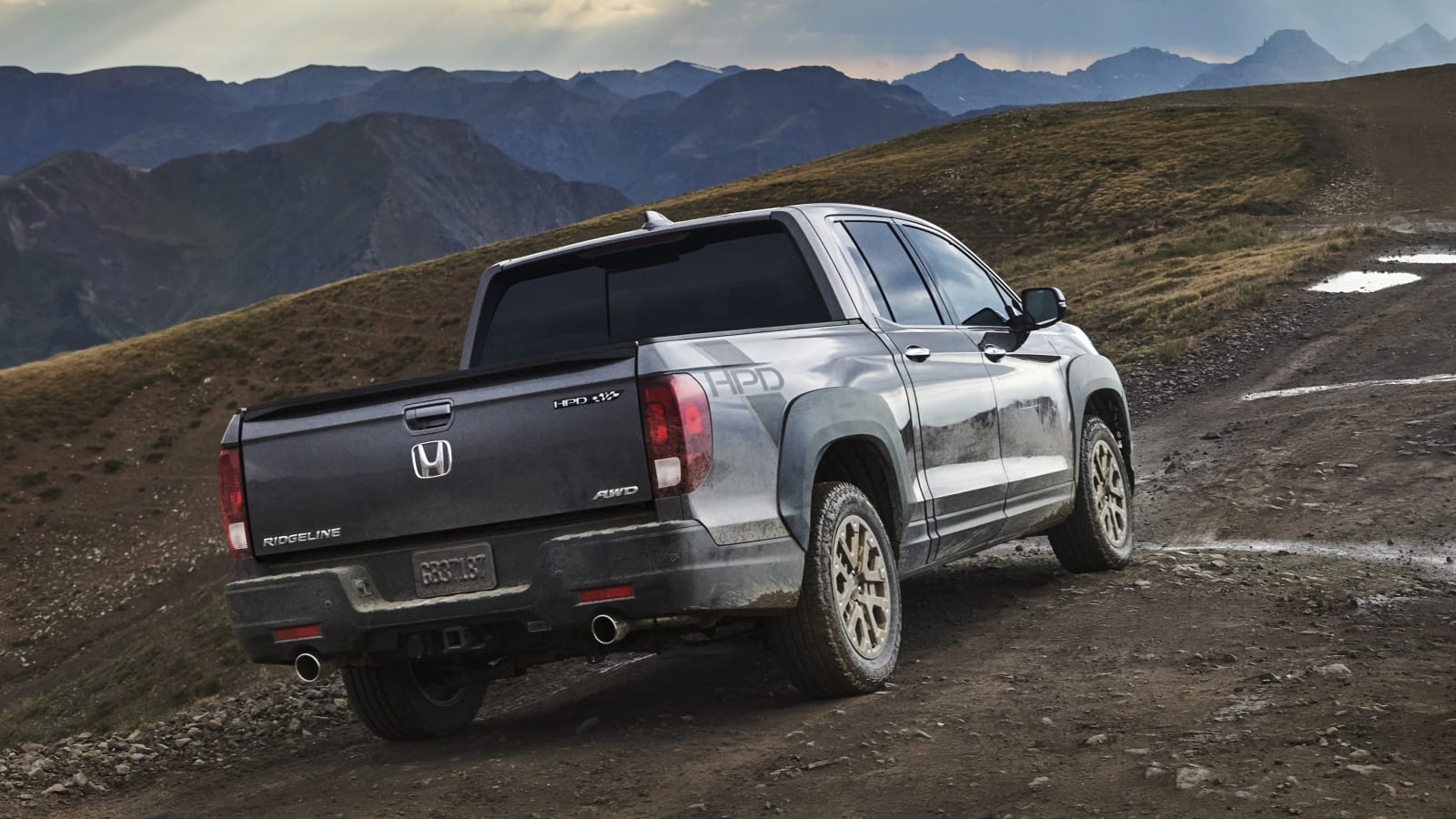 2021 honda ridgeline debuts with big design change autoblog 2021 honda ridgeline debuts with big