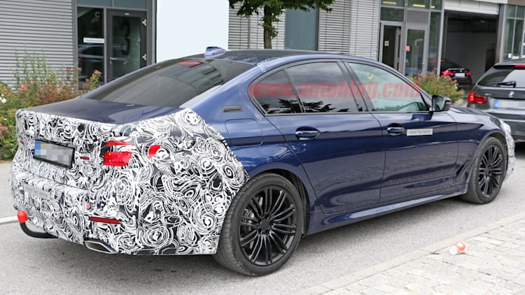 Bmw 5 Series Plug In Facelift Spied Testing In Europe Autoblog