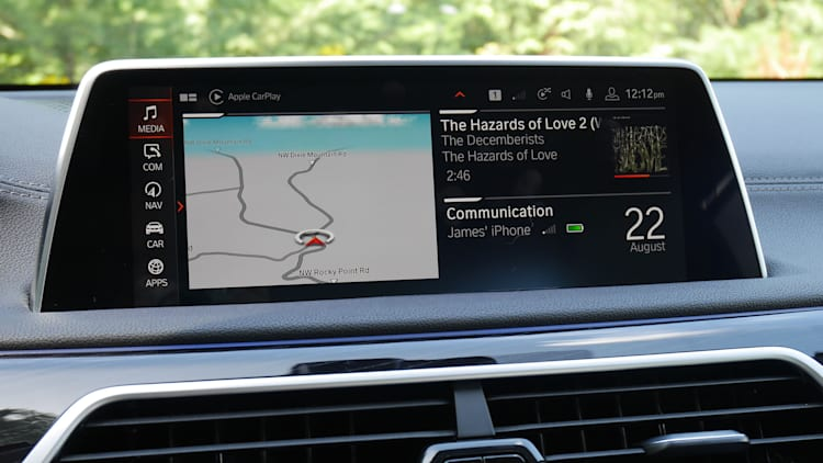 BMW and Apple CarPlay functionality issues | Autoblog