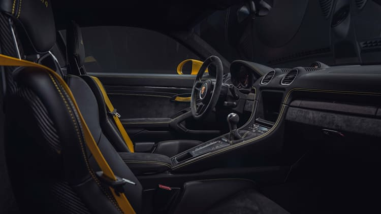 2020 Porsche 718 Cayman GT4 and 718 Spyder revealed with flat-six