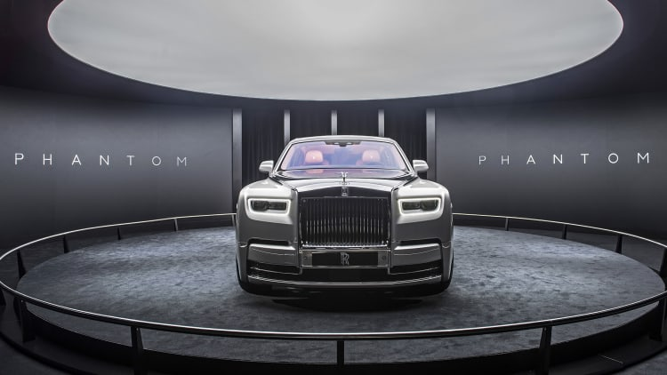 2018 Rolls-Royce Phantom VIII First Look | It's all new, we