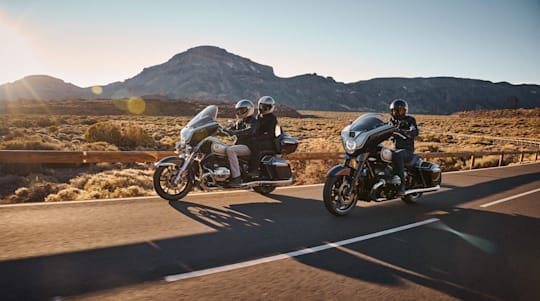 BMW's R18 Transcontinental and R18B bring long-distance comfort