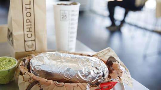 A nutritionist shares the best things to order at Chipotle — and what to skip
