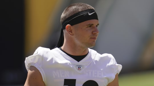 Browns' Switzer said 9-month-old son stable after surgery