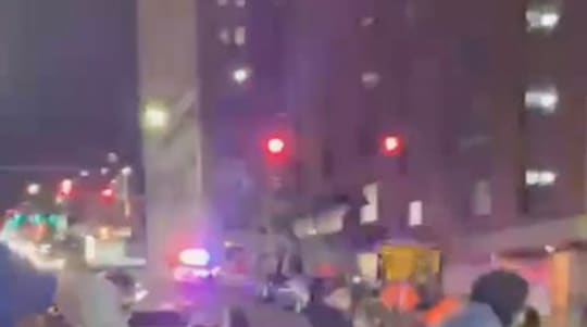 Police car smashes into pedestrians in Wash.