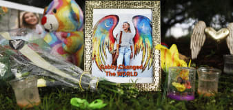 Gabby Petito funeral held for public, search goes on