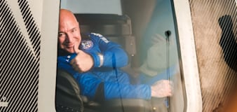 Bezos offers to cover $2B in NASA costs for contract