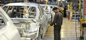 Car makers demand smooth trade links 'closer to home' after Australia agreement
