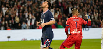 PSG snatch last-gasp win but Lionel Messi's wait for first goal goes on