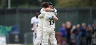 Lancashire keep title hopes alive with thrilling one-wicket win over Hampshire
