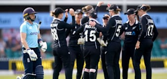 New Zealand keep series alive with three-wicket victory at Leicester