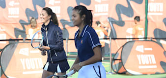 Kate plays with Emma Raducanu as US Open tennis champ is welcomed home