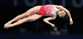 Teen diver scores 2 perfect 10s in gold-medal display