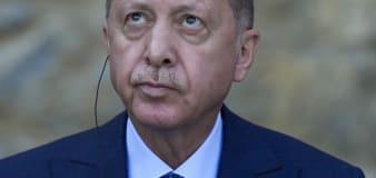 Erdogan orders removal of 10 ambassadors