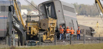 Investigators probe deadly Amtrak derailment