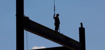 U.S. CEO-to-worker pay ratio rose to 299-1 last year