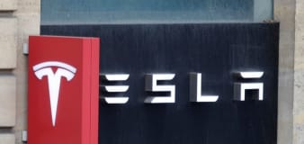 Tesla with 'no one' driving crashes, killing 2