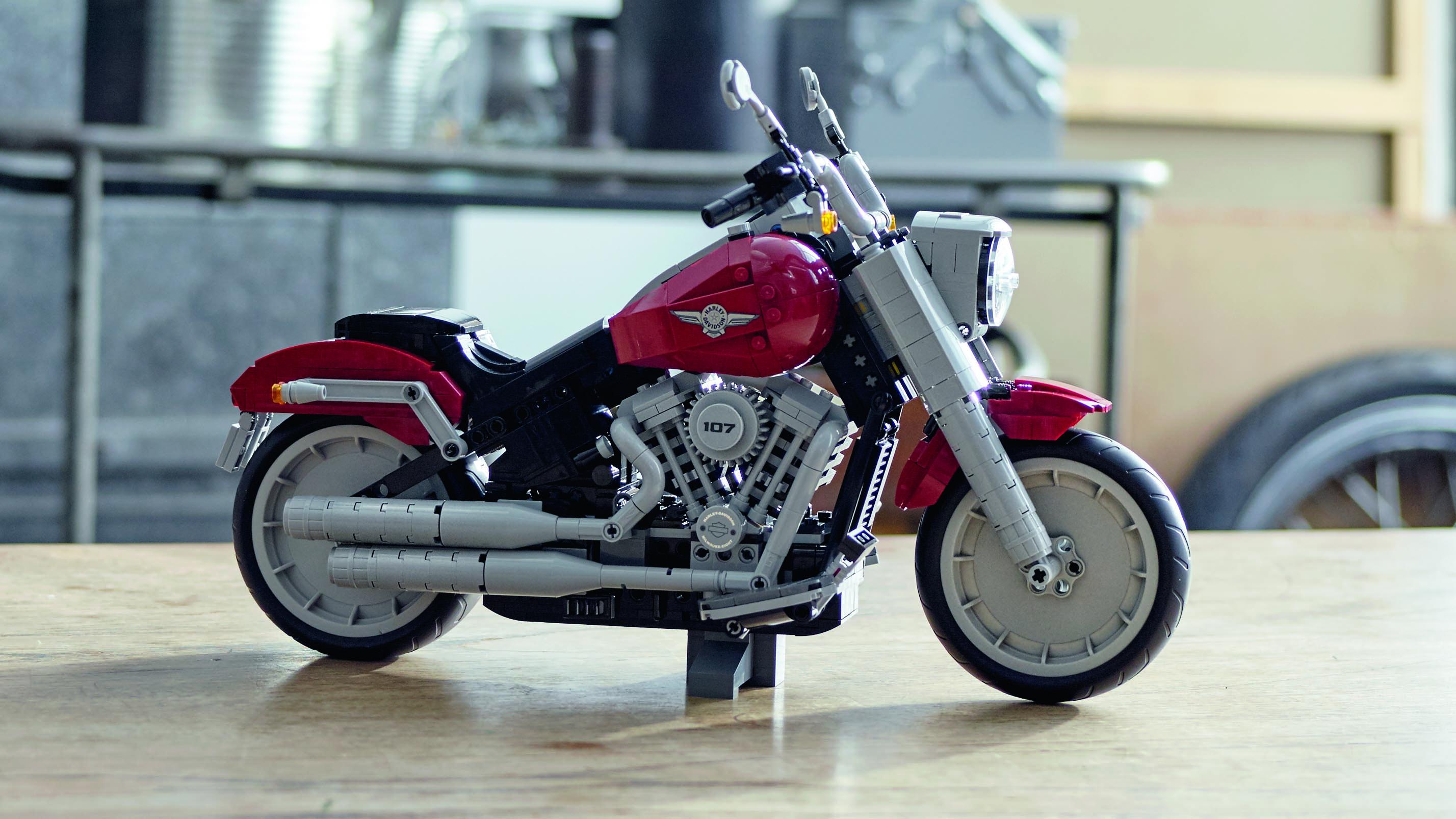 2019 Harley-Davidson Fat Boy Lego kit Photo Gallery | Autoblog